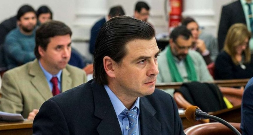 Frigerio y Peña pidieron que la UCR desarme su bloque