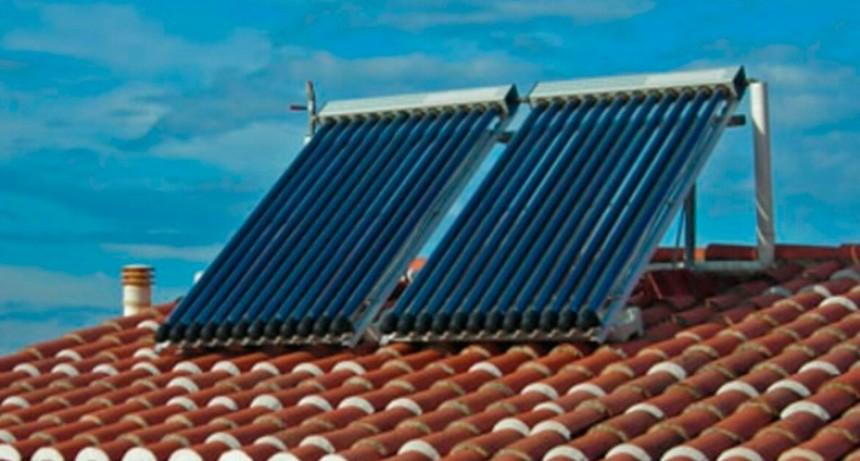 Por ley, se deberán incorporar calefones solares en edificios públicos