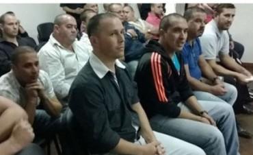 Conceden la prisión domiciliaria para los 17 policías detenidos en Federal por sedición