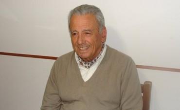 Arturo Vera hablando de política con FmCienFederal