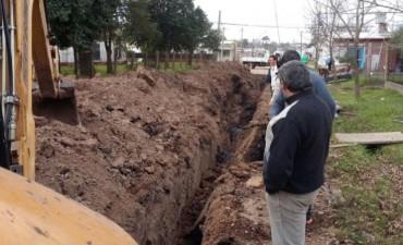 Ejecutan nuevas obras cloacales en Barrio Las Flores