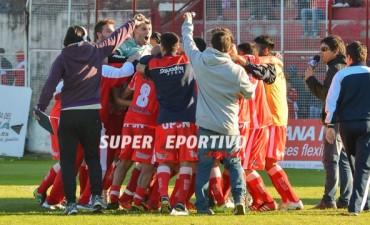 Atlético Paraná derrotó a Juventud Unida de San Luis y mantuvo la categoría