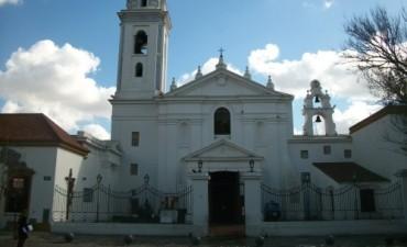 Pago de sueldos, subsidios millonarios y entrega de terrenos: cómo el Estado financia la Iglesia Católica