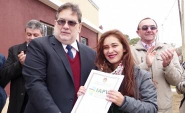 Se entregaron nuevas viviendas del IAPV en Conscripto Bernardi