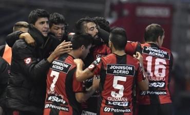 Patronato derrotó a Quilmes volvió a celebrar en el campeonato