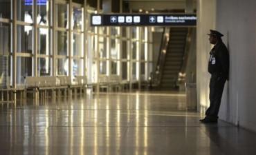 Realizaron operativos judiciales en Aerolíneas Argentinas y Mac Air por una denuncia contra Macri