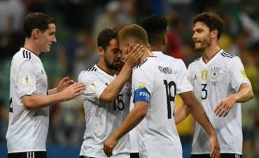 Alemania vapuleó a México y enfrentará a Chile en la final
