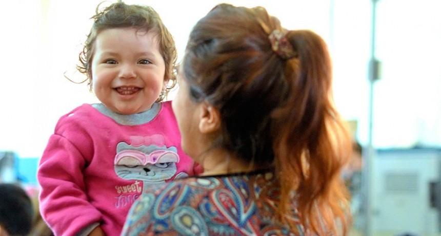 Beneficiarios de la AUH deben presentar Libreta de Salud y Educación