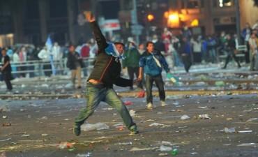 Incidentes en las inmediaciones del Obelisco: fueron iniciados por barras de Chacarita