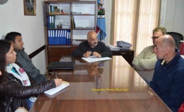 La comisión del Club Las Flores se reunió con el Intendente Torres
