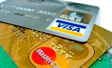 Tarjetas de crédito bajaron la tasa para la financiación en cuotas