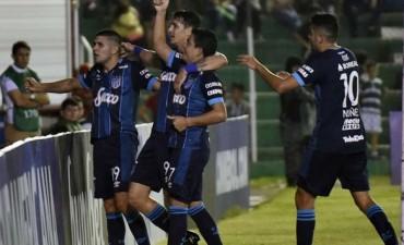 El entrerriano Zampedri se despidió de Atlético Tucumán dándole el triunfo en el final