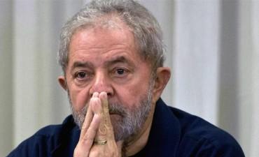 Lula condenado a 9 años y medio por un caso de corrupción (por ahora no irá a la cárcel)
