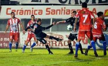En Santiago del Estero, Atlético Paraná venció a Central Córdoba en la última jugada