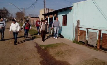 Jorge Lacoste recorrió barrios y  el Paraje Las Delicias .
