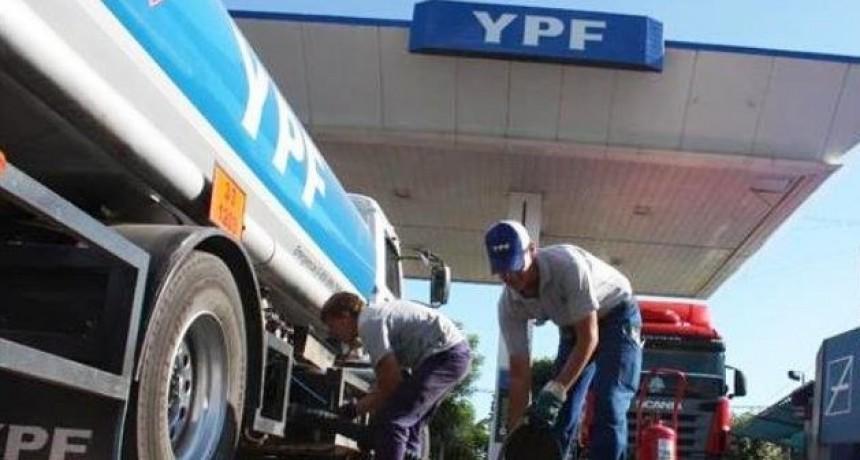 Las subas en YPF llegan hasta el 8% y ya prevén nuevos aumentos