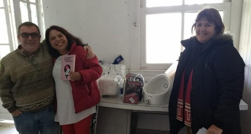"""EL MUNICIPIO DONÓ ARTEFACTOS Y LIBROS A LA ESCUELA N°11 """"ROBERTO AIZENBERG"""""""