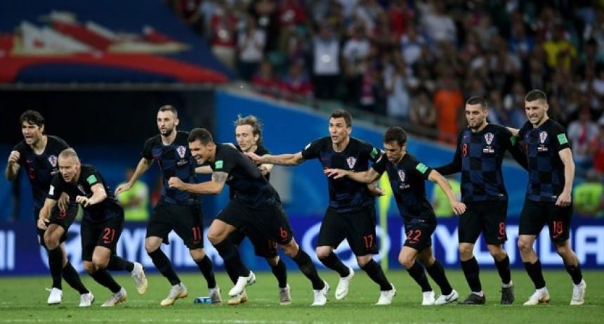 En un emotivo cotejo, Croacia eliminó a Rusia por penales y pasó a semifinales