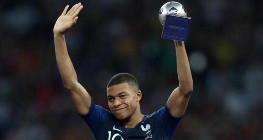 Kylian Mbappé fue elegido como el mejor jugador joven del mundial