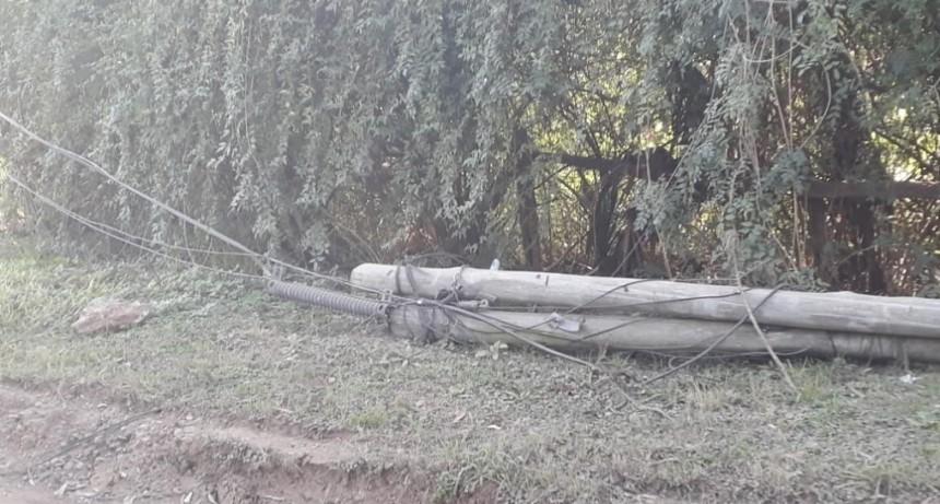 Preocupación de vecinos por la falta de servicio telefónico.