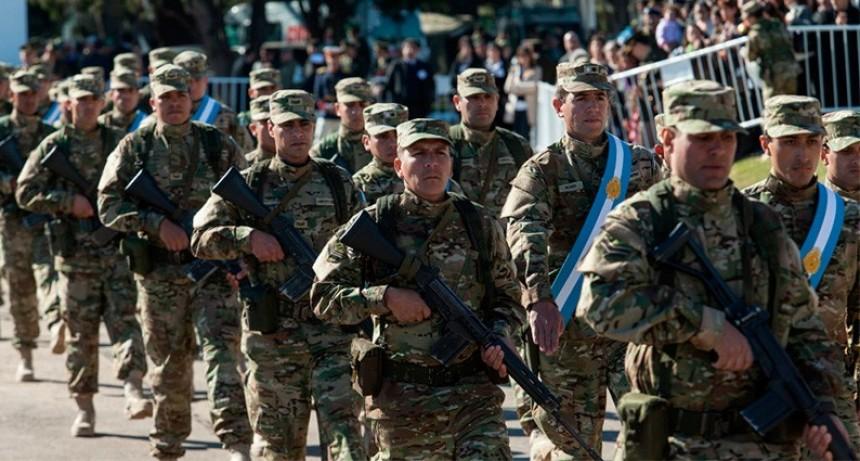 El Gobierno oficializó aumento salarial para los militares: Lo que cobrarán