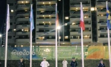 La bandera argentina ya flamea en la Villa Olímpica