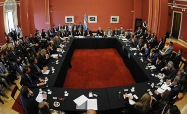 Acuerdo con los gobernadores: el Gobierno girará este año $37 mil millones a las provincias