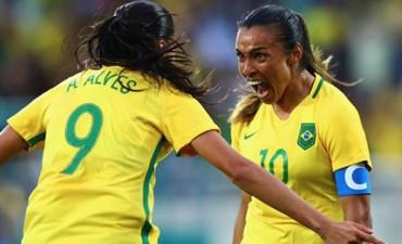 Brasil debutó en el fútbol femenino olímpico con un triunfo ante China