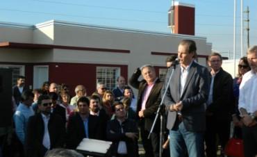 El Intendente de Federal estuvo presente en el acto de entrega de viviendas en Gualeguaychu