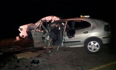 Tres personas perdieron la vida en violento choque frontal por una vuelta en U