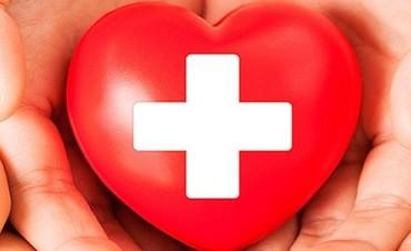¿Qué se necesita saber antes de brindar primeros auxilios?