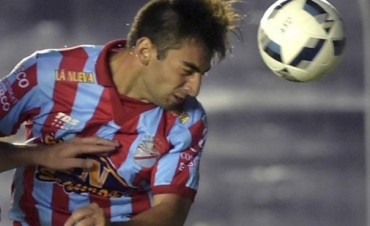 Sarmiento abrió el campeonato con tres puntos de mucha importancia