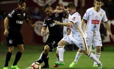 Lanús sufrió pero se metió en los cuartos de final de la Copa Libertadores