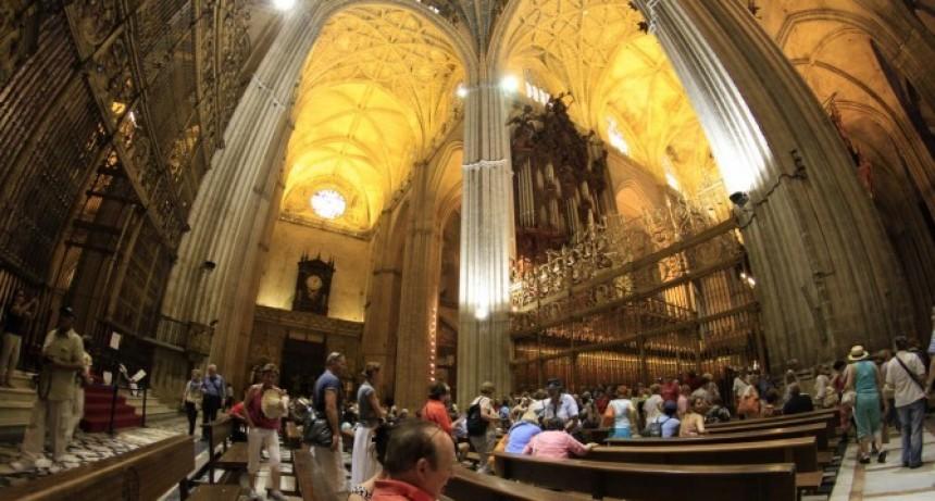 La Iglesia Católica resignará asignaciones que los obispos reciben del Estado
