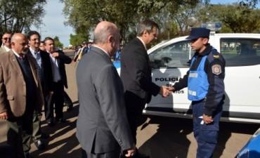 El gobierno entregó móviles policiales a la Jefatura de Federal