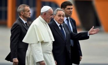 El Papa Francisco llego a Cuba en una visita que será histórica