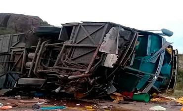Alta velocidad y frenos defectuosos ocasionaron la tragedia vial con 15 muertos