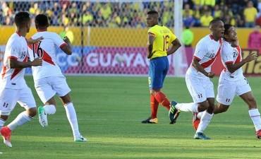 Perú revolucionó la clasificación con su victoria en Quito
