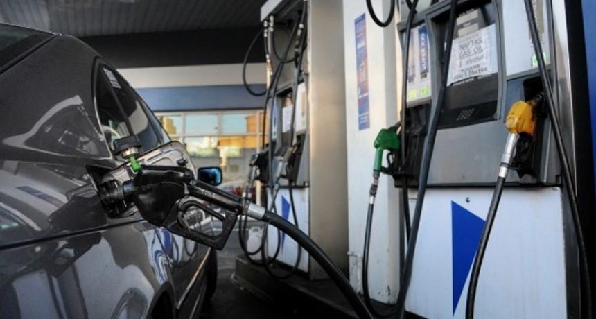 YPF aplicó otra suba en los combustibles: Entre 8 y 9,5 por ciento