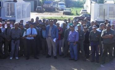 Empleados municipales realizaron medida de fuerza reclamando aumento salarial