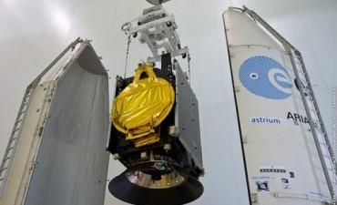 El ARSAT-1 ya está acoplado al cohete que lo lanzará al espacio
