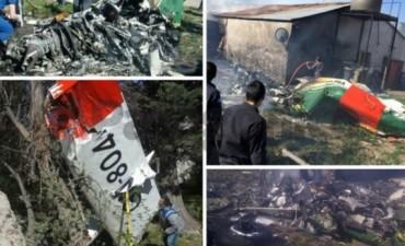 Avioneta de la Gendarmería cayó en el patio de una casa en Santa Cruz: hay dos muertos