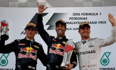 Fórmula 1: Ricciardo dio el golpe en Malasia