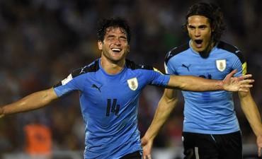 Uruguay venció a Venezuela y sigue siendo líder
