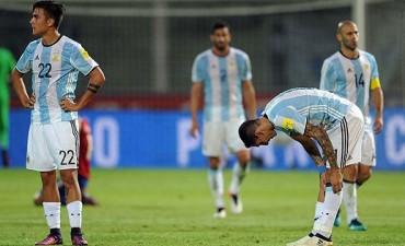 Argentina decepcionó, cayó con Paraguay y sigue en zona de Repechaje