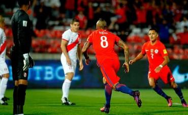 Chile le ganó a Perú y quedó cerca del repechaje