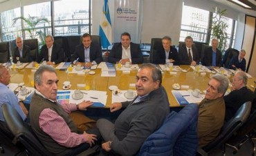 Reunión CGT-Gobierno: avances por Ganancias, jubilados y AUH, y siguen negociando bono con privados
