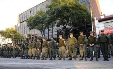 ¿Incorruptibles? ¿Efectivos? Por qué los gobiernos prefieren a los gendarmes para combatir la inseguridad