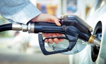Los precios de los combustibles volverían a subir en noviembre