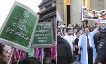 La despenalización del aborto en Argentina, entre el bloqueo parlamentario y la sombra del Papa
